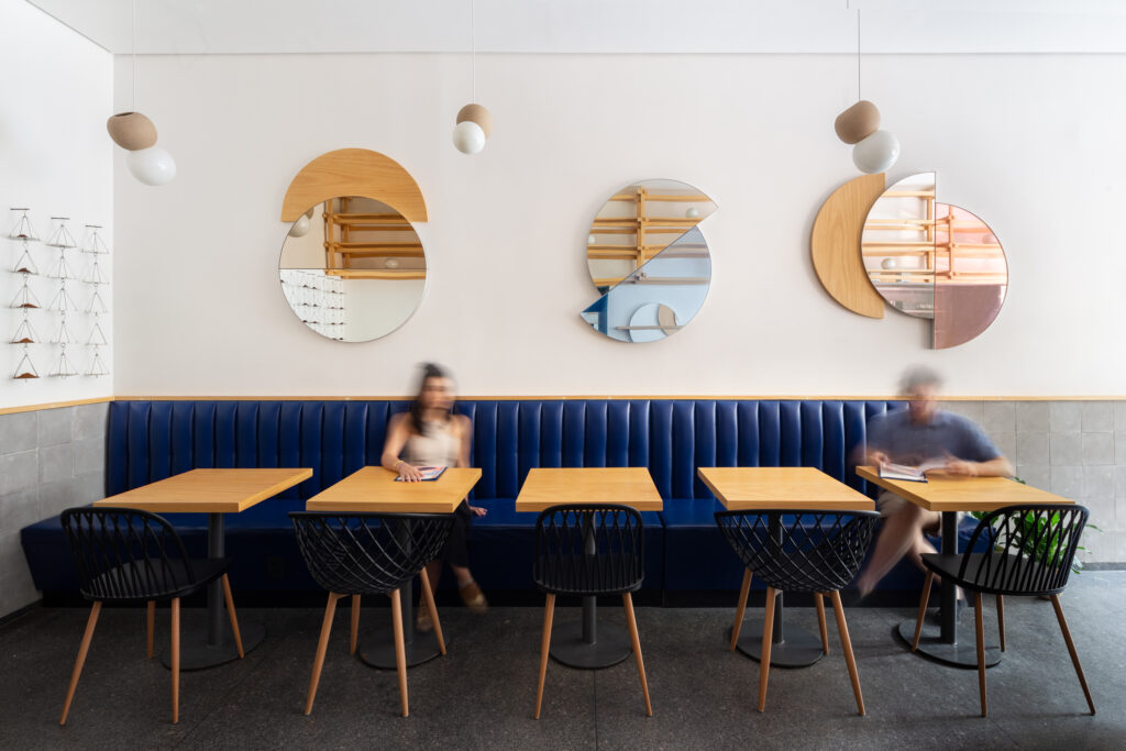funcionalidade e cenografia no projeto de cafeterias